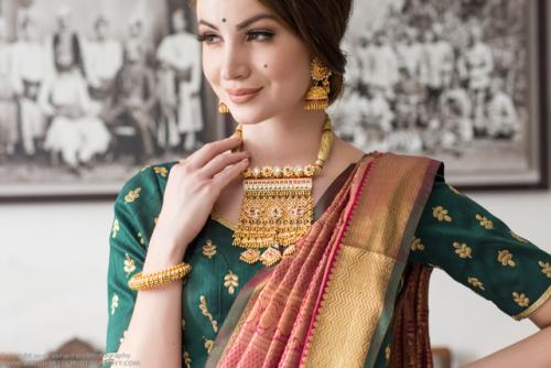 Gold jewellery photography